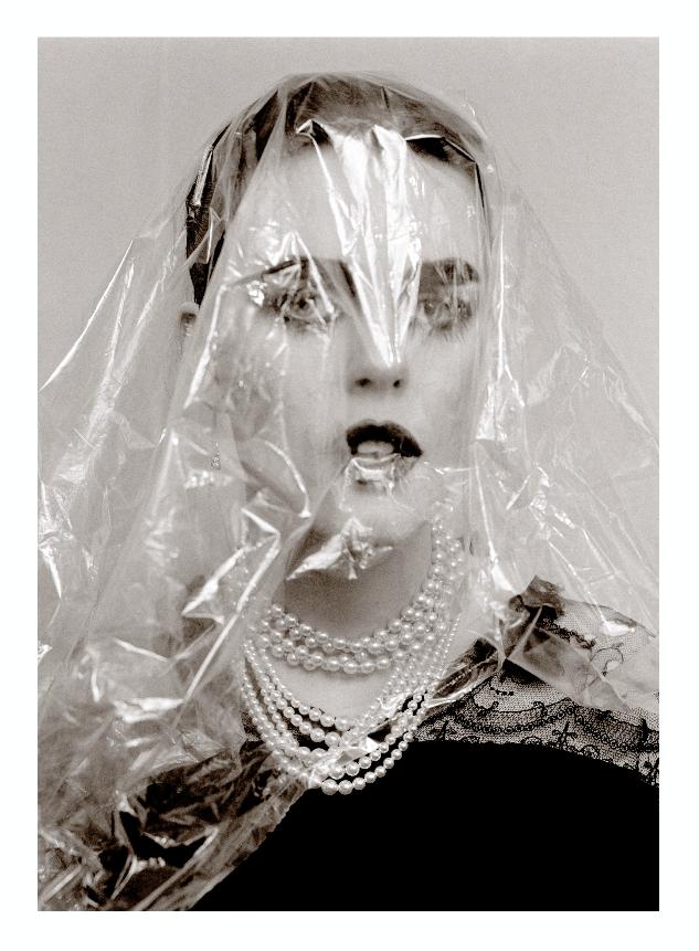 Linder, You search but do not see, 1981-2010. Courtesy of Stuart Shave/Modern Art, Dependance, Andrehn Schiptjenko, Blum & Poe